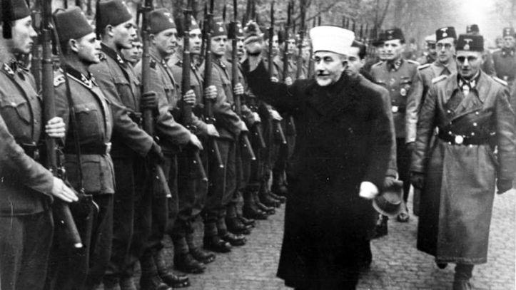 "Le Grand Mufti inspectant la division de Waffen SS musulmane ""Handschar"""